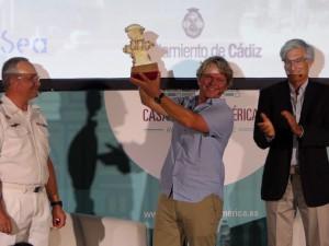 """Entrega del primer premio """"Juan Sebastián de Elcano"""" al navegante oceánico Alex Pella"""